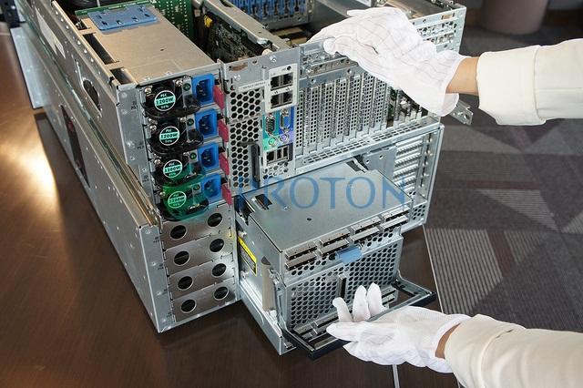 Задняя панель сервера HP ProLiant DL980 G7 AM447A