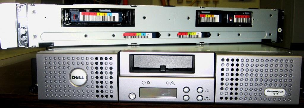 Ленточный автозагрузчик Dell PowerVault 124T Tape Autoloader LTO-3